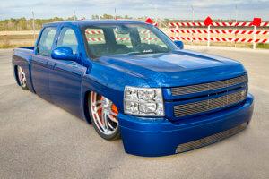 Front quarter view of custom 2007 Chevy Silverado 1500