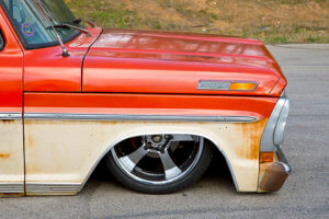 Custom lowered 1971 Ford F-100