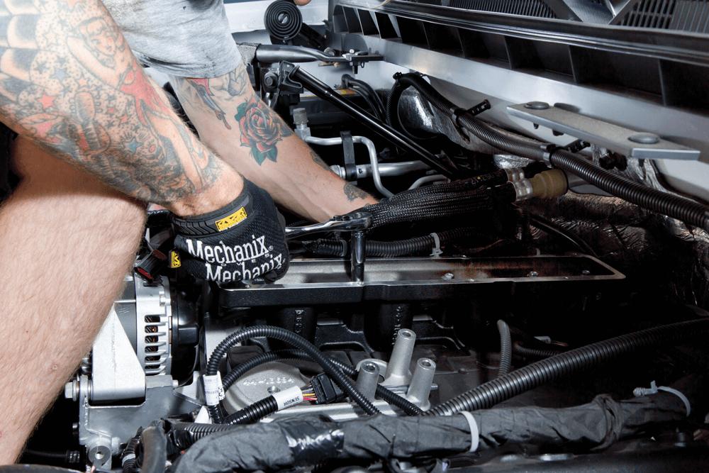 Installing Edelbrock's E-Force Supercharger FOR 2014-PLUS GM