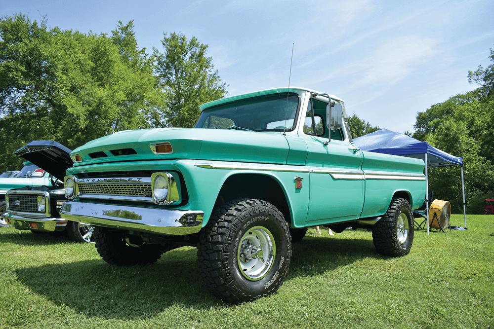 ALL CHEVY/GMC TRUCK NATIONALS | Street Trucks