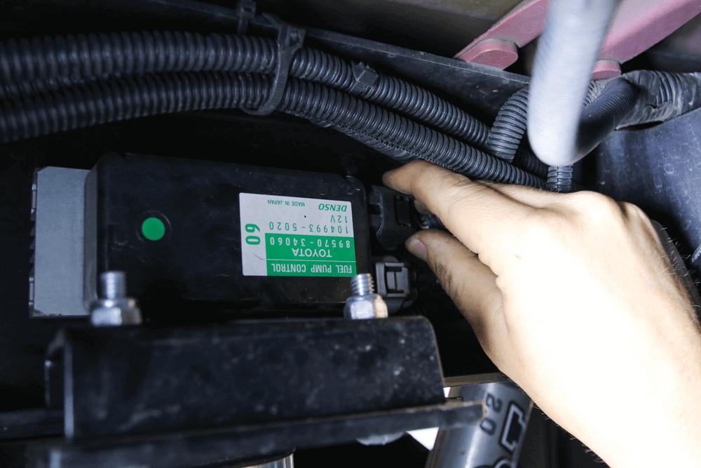 Adding a Larger Fuel Tank to a 2015-Plus Tundra | Street Trucks