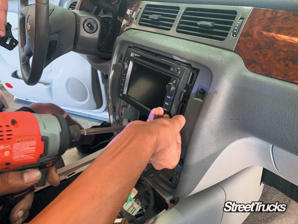 Stinger head unit intall on a 2008 Chevy Tahoe